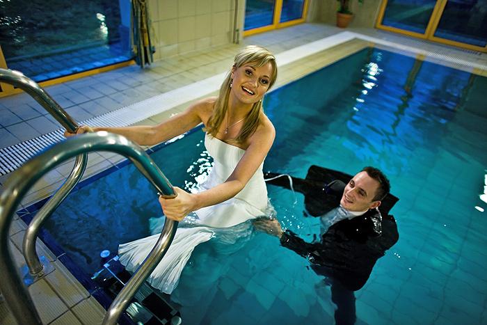 zdjęcia plenerowe w basenie