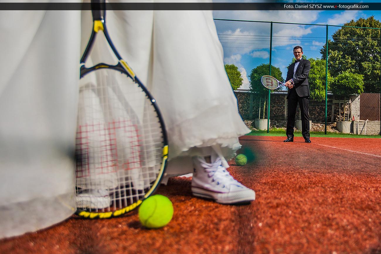 Zielona Góra zdjęcia ślubne na korcie tenisowym